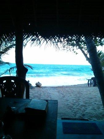 The Breeze Beach Restaurant Tangalle: The Breeze Beach Restaurant :)