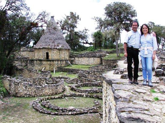 Fortaleza de Kuelap: Edificación