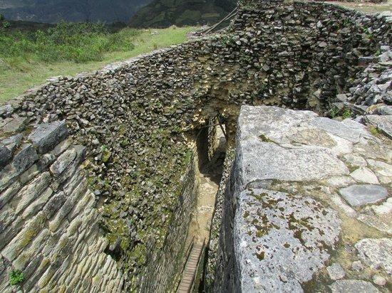 Fortaleza de Kuelap: Una de las entradas a la fortaleza
