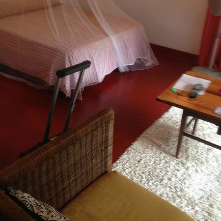 Catcha Falling Star Gardens : Room- authentic Jamaican!