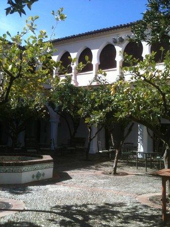 Parador de Guadalupe: Patio interior