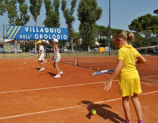 Tennis Academy Villaggio dell'Orologio : stage di tennis bambini