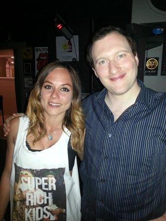 Monica's Pub: Chiara (desole pour l'ecriture!) the bar manager et moi!