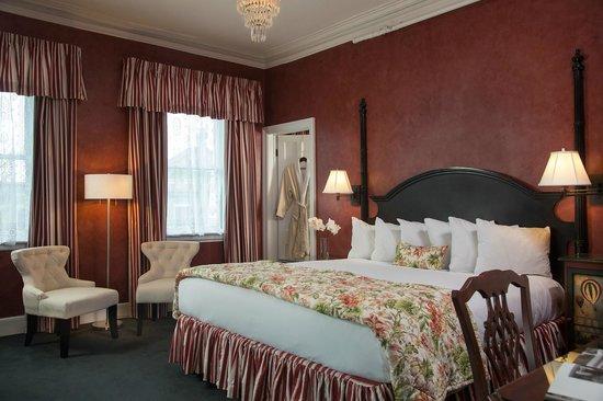Saratoga Arms: Romantic Saratoga Springs hotel