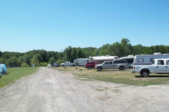 The Great Escape RV & Camp Resort: Pull through and back-in sites