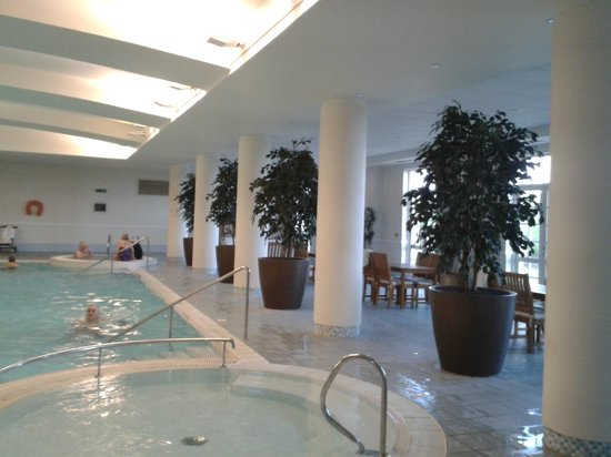 Fairmont St Andrews: the pool area