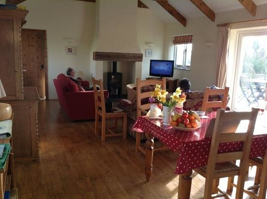 Pollaughan Holiday Cottages: main room
