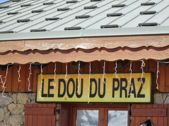 Le Dou du Praz: The entrance