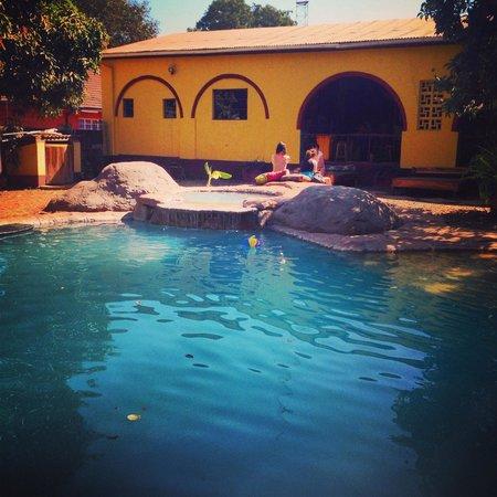 Jollyboys International Backpackers: Pool