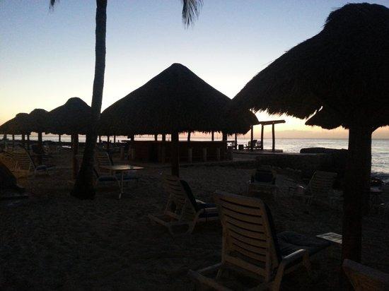 Playa Azul Golf, Scuba, Spa : sunset