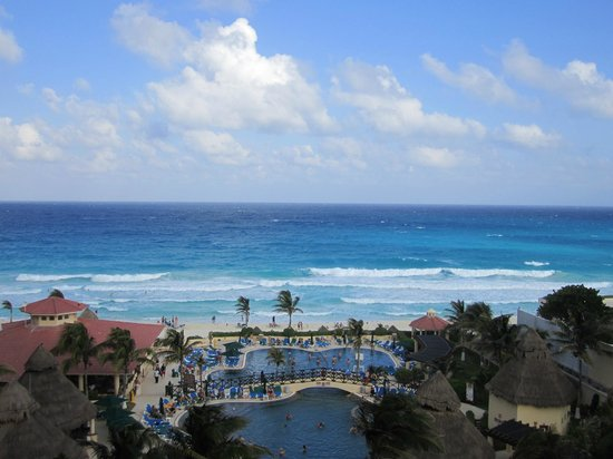 GR Solaris Cancun: View from room 8316