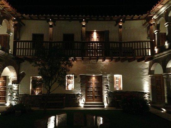 Inkaterra La Casona Relais & Chateaux: Courtyard