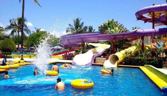 Aquaventuras park: ¡Un splash de diversión!