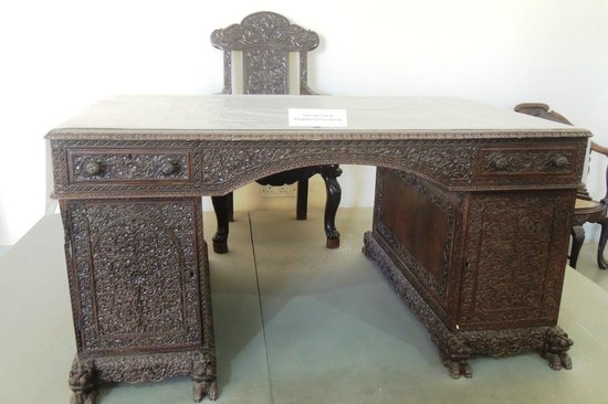 Goa State Museum: beautifully engraved table and chair of Portuguese Governor General