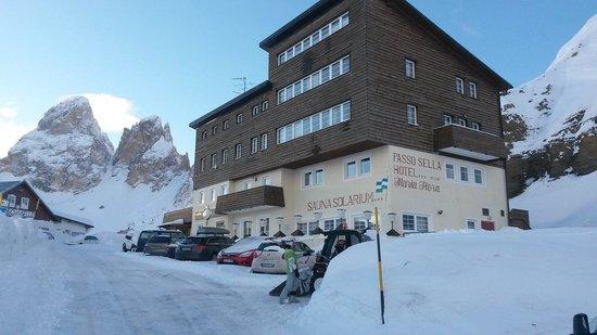 Hotel Maria Flora: die eingeschneite Maria Flora