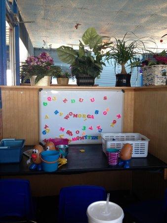 Blue Sky Cafe: Kids area