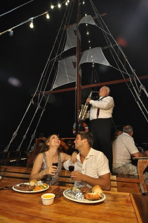Columbus Lobster Dinner Cruise: A special night with your beloved one.