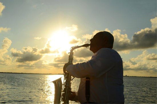 Columbus Lobster Dinner Cruise: Enjoy the most romantic music aboard The Lobster Dinner Cruise.