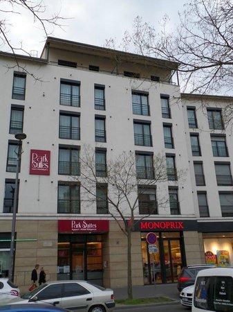 Appart'City Confort Lyon Vaise : Hotel front at R. Sergent Michel Berthet