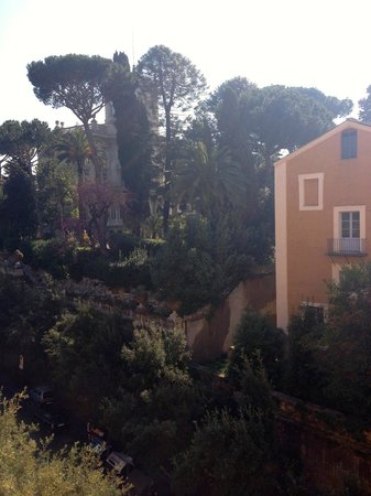 Hotel Eden - Dorchester Collection - Temporarily Closed: view from bathroom