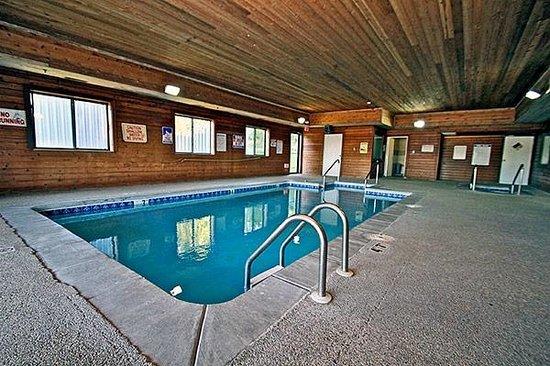 Holes in the blanket picture of motel 6 waterloo - Waterloo swimming pool denison tx ...