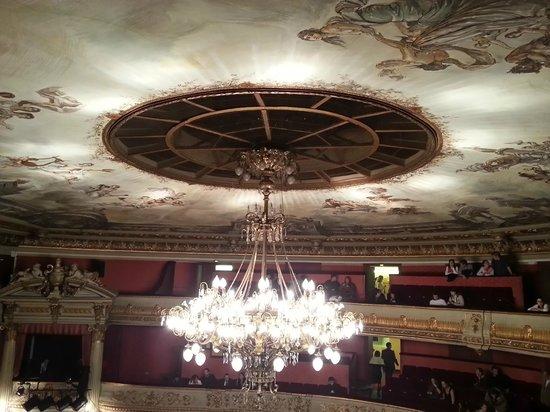 Opéra National du Rhin : Dentro da opera.