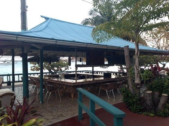 Island Beachcomber Hotel: nice beach bar