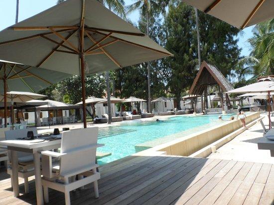 SALA Samui Choengmon Beach Resort : pool area