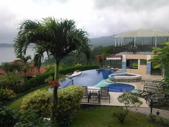 Linda Vista Hotel: Our gardens and pool Area