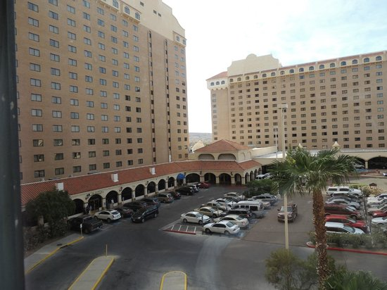 Harrah's Laughlin : Not an attractive view from the room!