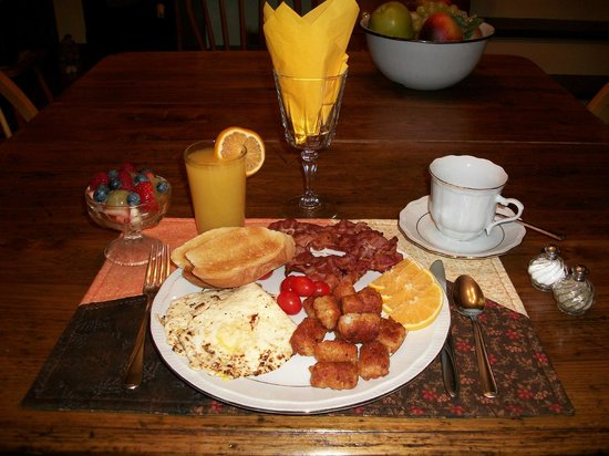 Windbreak Farm Bed and Breakfast: One of our delicious breakfasts
