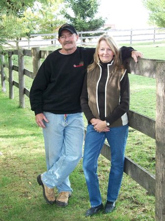 Windbreak Farm Bed and Breakfast: The Hosts: Bob and Cathy