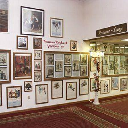 Voyageur Inn and Conference Center: Norman Rockwell Exhibit