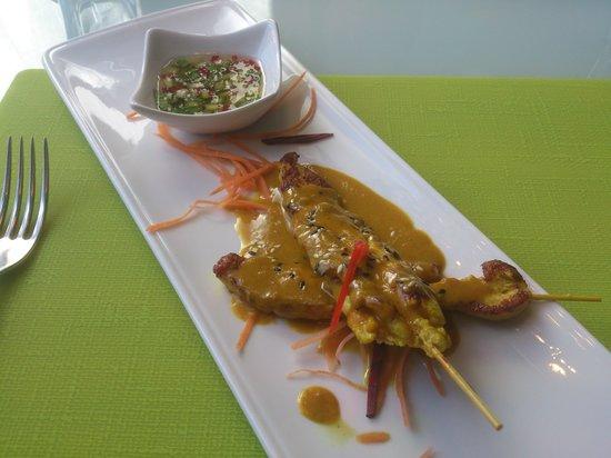 Leven's: chicken satay starter