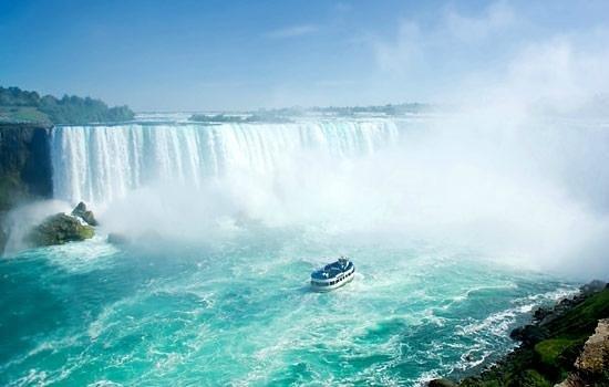 Hornblower Boat Cruise Niagara...
