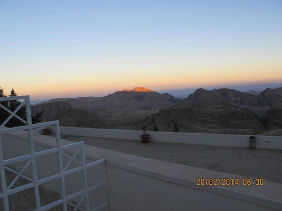 Petra Panorama Hotel: Morning view 1