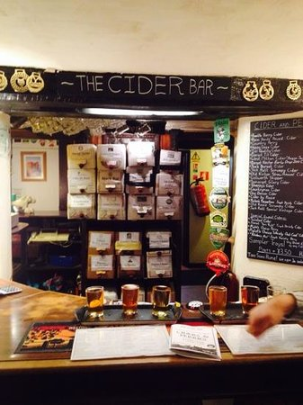 The Castle Inn: cider----heaven for the bf