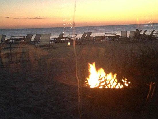 Edgewater Beach Hotel: Sunset