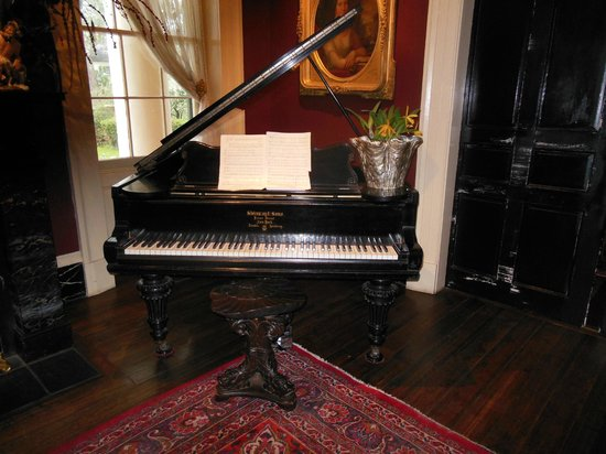 Houmas House Plantation and Gardens: piano Stenway ancien