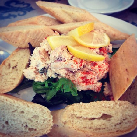 Fresh - Farm to Table: Smoked salmon dip