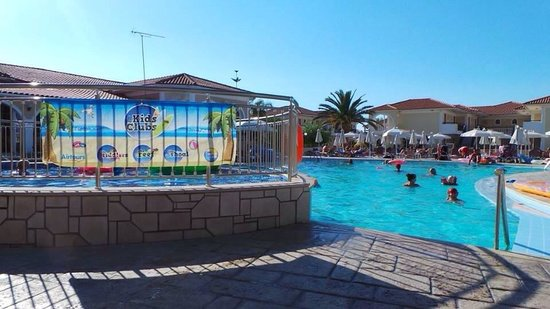 Marelen Hotel: Pool and kids pool