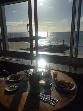 The Haven Hotel: breakfast with a view