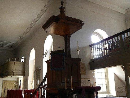 Bruton Parish Episcopal Church : rectors pew