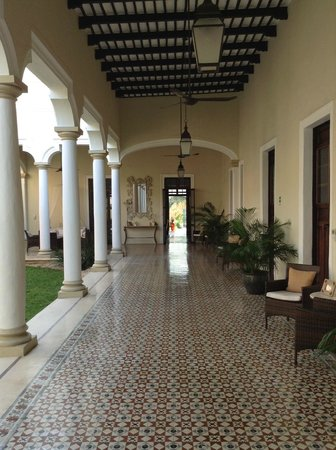 Hotel Villa Verde Merida: Corridor