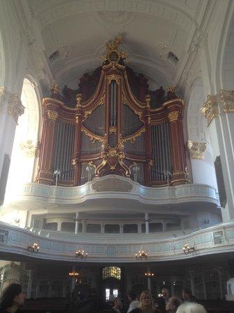 Hauptkirche St. Michaelis: Величественный орган