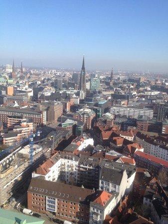 Hauptkirche St. Michaelis: Вид на город с башни