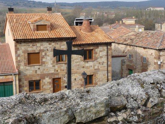 Cinco Lunas: Casa vista desde la iglesia