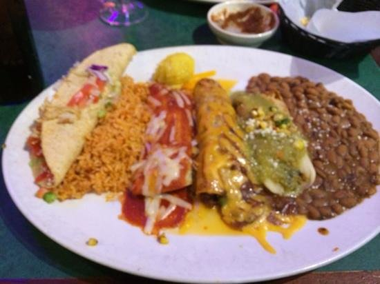 Chevys Fresh Mex: laredo platter