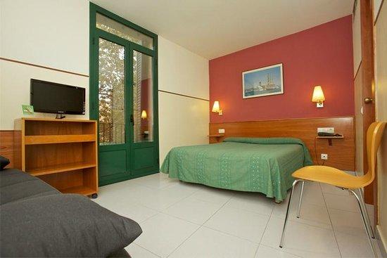 el Jardi: Large exterior room