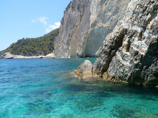 Plessas Palace Hotel: caves on boat trip